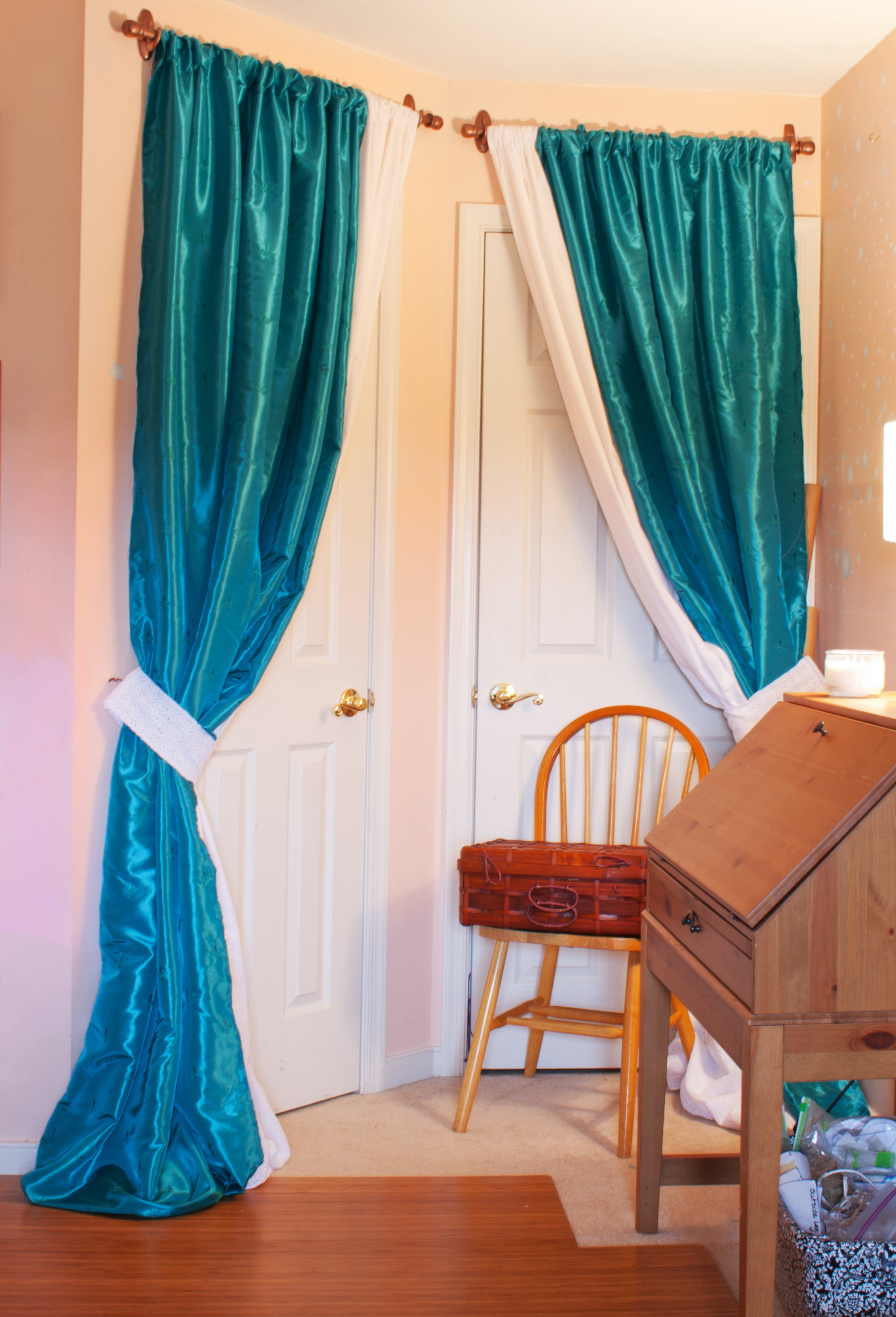 Diy Sewing Room Glam Up Series Closet Door Drapes And